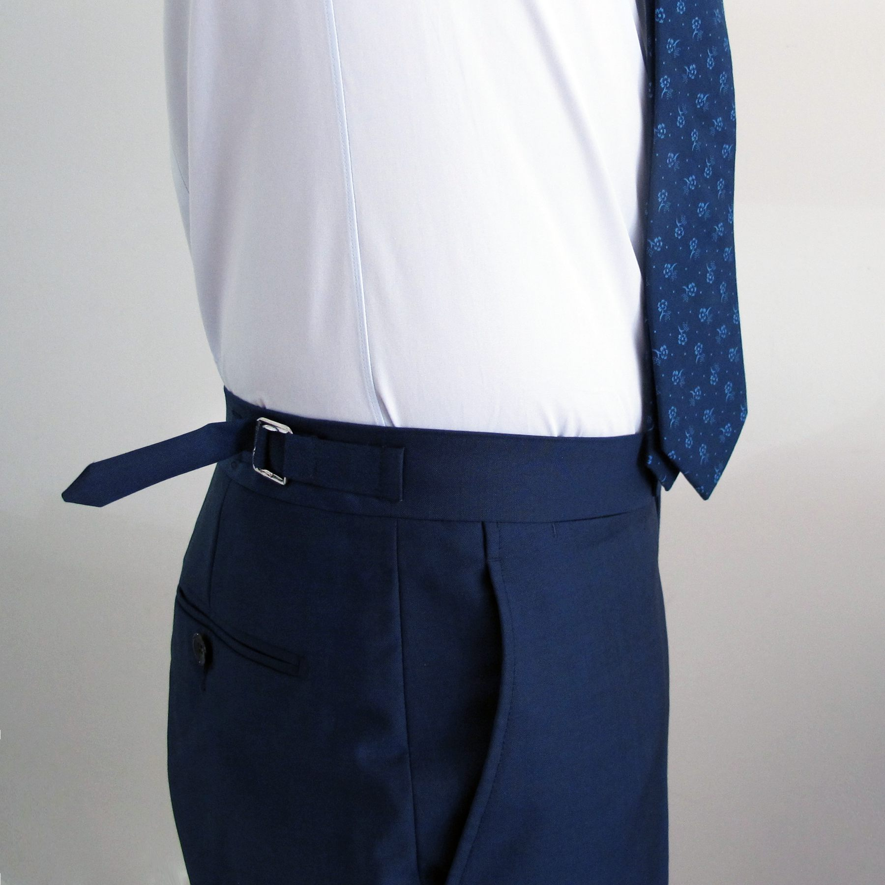 suit supply side tabs