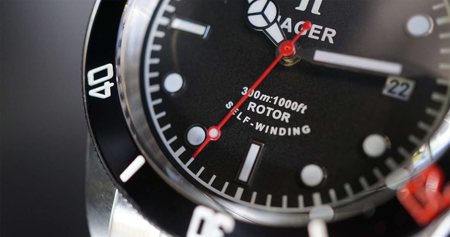 The Incredibly Handsome and Ridiculously Affordable Aquamariner from Hager Watches